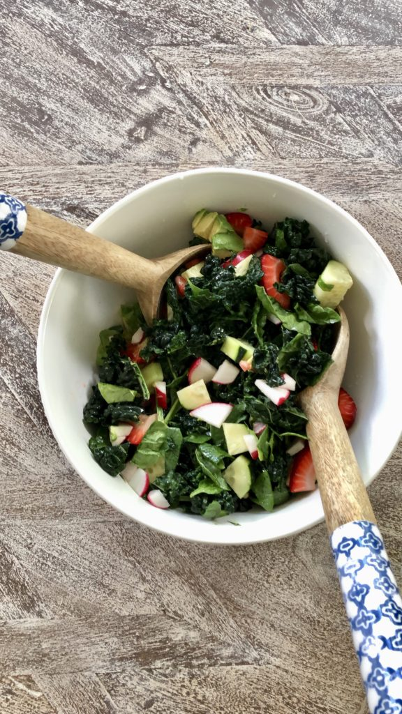 healthy strawberry, kale and spinach salad
